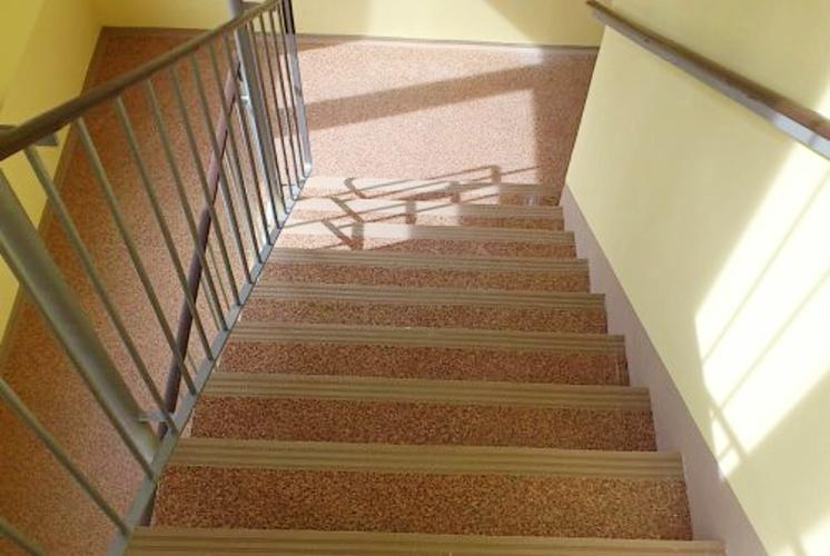 Pohled na schodiště